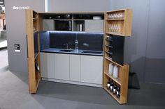 Výběr dekoru minikuchyně lze přizpůsobit přání zákazníka.