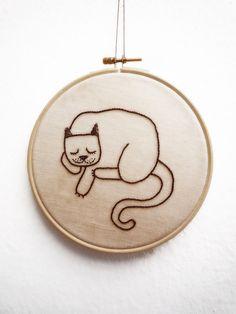 #cat, #embroidery, #hoop