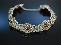 Trachten Schmuck zum Dirndl! Armband Silber 835 Granate Graz um 1930, antique silver and garnet bracelet, traditioneller Trachtenschmuck bei Die Halsbandaffaire