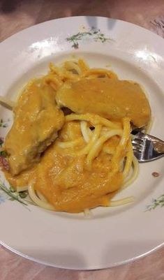 Beef Dishes, Spaghetti, Ethnic Recipes, Food, Essen, Meals, Yemek, Noodle, Eten