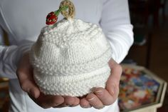 Hello Baby Hat by Susan B. Anderson. Free on the blog. also sweater to match