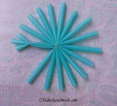 Christmas crafts: snowflakes with plastic straws Ribbon On Christmas Tree, Christmas Snowflakes, Christmas Art, Christmas Projects, Winter Christmas, Christmas Decorations, Christmas Ornaments, Christmas Crafts For Kids To Make, Christmas Activities