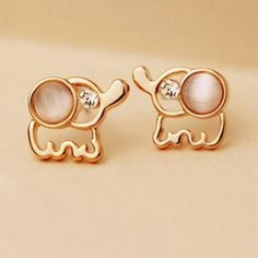 Do love baby elephants? Are you looking for a cute jewelry for yourself or as a gift? Get these Rose Gold Elephant Stud Earrings for free! These beautiful earrings are perfect for elephant lovers and young women who like and appreciate jewelry. Kids Jewelry, Cute Jewelry, Jewelry Box, Jewelry Accessories, Women Jewelry, Fashion Jewelry, Jewlery, Baby Jewelry, Opal Jewelry