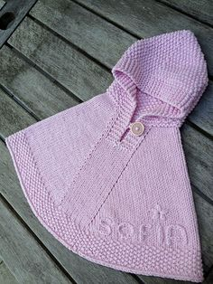 Ravelry: MarianVink's Sofia's poncho little peater Crochet Baby Poncho, Knitted Poncho, Knitted Dolls, Crochet Yarn, Poncho Knitting Patterns, Knit Patterns, Ravelry, Girls Poncho, Baby Pullover