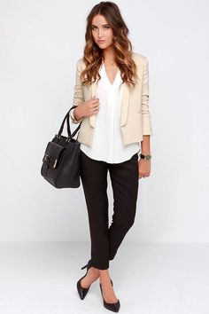 55 Amazing Business Casual Women Outfit Ideas to Finish This Summer - Artbrid - Source by business casual outfits Business Casual Outfits For Women, Stylish Work Outfits, Summer Work Outfits, Professional Outfits, Business Casual Jacket, Outfit Summer, Winter Outfits, Cream Jacket Outfit, Beige Blazer Outfit