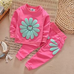 Spring and Autumn Baby girl floral clothing set sports suit set children Christmas outfits girls tracksuit clothes T-shirt&pant(China (Mainland)) Girls Christmas Outfits, Kids Outfits Girls, Baby Boy Outfits, Sport Outfits, Casual Outfits, Girls Tracksuit, Tracksuit Set, Baby Set, Kids Boy