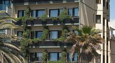 Hotel San Francisco Viareggio Hotel San Francisco is situated on Viareggio's sea front. It offers air-conditioned rooms with private bathroom and parquet floor, some overlooking the Mediterranean Sea.  The San Francisco serves a breakfast buffet of sweet and salted items.