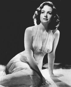 Donna Reed (January 1921 – January an American film and television actress and producer. Golden Age Of Hollywood, Vintage Hollywood, Hollywood Glamour, Hollywood Stars, Hollywood Actresses, Classic Hollywood, Hollywood Celebrities, Donna Reed, Old Movie Stars