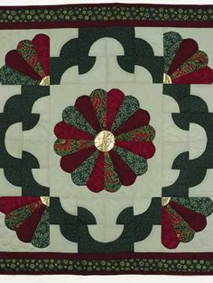 Quilting - Home Decor - Table Topper Quilt Patterns - A Touch of Gold Free Quilting Pattern - #FQ00444