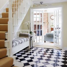 This checkerboard floor makes a timeless style statement that will never go out of fashion! #nevergooutoffasion