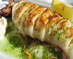 calamar a la plancha en salsa verde Easy Cooking, Cooking Recipes, Healthy Recipes, Seafood Dishes, Fish And Seafood, Fish Recipes, Seafood Recipes, Pescado Recipe, Helathy Food