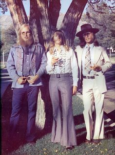70's Wedding- hahaha, is that you cousin Jimmy? :D i laughed so much, loved my hippie cousins! #Vanderhoek