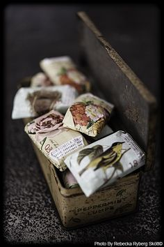 use vintage book pages to wrap petite gifts..<3