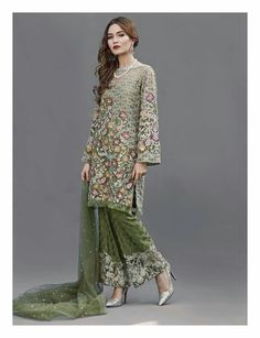 36 Ideas embroidery fashion inspiration style for 2019 Dresses For Teens, Trendy Dresses, Casual Dresses, Embroidery Fashion, Embroidery Dress, Wedding Embroidery, Pakistani Wedding Dresses, Wedding Dress Styles, Wedding Hijab
