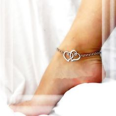 New Arrival Double Heart Anklets Simple Silver Chain Anklet Bracelet on leg Fashion Beach Anklets For Women Foot Jewelry Ankle Jewelry, Body Jewelry, Jewelry Gifts, Jewelry Case, Jewelry Accessories, Foot Bracelet, Anklet Bracelet, Anklet Tattoos, Garter Tattoos