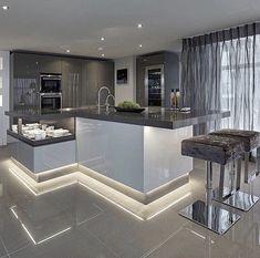 Luxury Kitchen Design, Kitchen Room Design, Best Kitchen Designs, Dream Home Design, Home Decor Kitchen, Interior Design Kitchen, Modern Interior Design, Luxury Interior, Kitchen Ideas