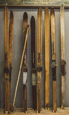 vintage skis The Effective Pictures We Offer You About Skiing hairstyles A quality picture can tell you many things. Vintage Ski, Vintage Winter, Vintage Posters, Vintage Photos, Vintage Stuff, Vintage Travel, Beach House Style, Nordic Skiing, Ski Decor