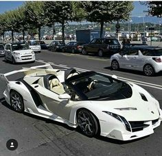 Sport Car in the World There are Ferrari cars and trucks Lamborghini Hennessey Venom Koenigsegg Agera RS Bugatti Veyron Bugatti Chiron and so on Luxury Sports Cars, Top Luxury Cars, Exotic Sports Cars, Cool Sports Cars, Super Sport Cars, Exotic Cars, Cool Cars, Carros Lamborghini, White Lamborghini
