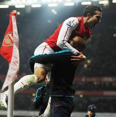 Robin van Persie and Thierry Henry! van Persie is amazing! Thierry Henry, Robin Van, Van Persie, Sport Icon, Arsenal Fc, Soccer, Icons, Entertaining, Amazing