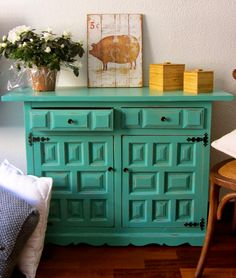WOOD & STYLE: Cómoda vintage Transforming Furniture, Furniture Making, Painting Antique Furniture, Painted Furniture, Pine Wardrobe, New Room, House Colors, Home Kitchens, Sweet Home