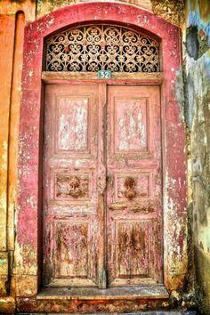 Ancient pink door     .....rh
