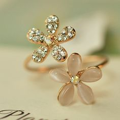 New Fashion Lovely Gold Plated Daisy Flower Crystal Rhinestone Women Ring Gift For Finger New Brand-in Rings from Jewelry & Accessories on Aliexpress.com | Alibaba Group