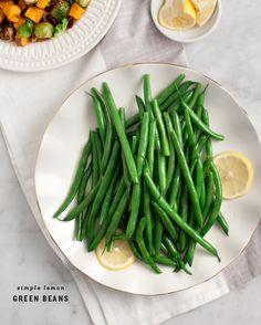 Simple Lemon Green Beans / www.loveandlemons.com Boil Green Beans, Lemon Green Beans, Boiled Green Beans Recipe, Green Bean Recipes, Vegetarian Thanksgiving, Thanksgiving Side Dishes, Thanksgiving Recipes, Vegetarian Recipes, Healthy Recipes