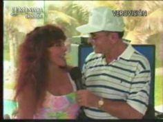 Video de Verónica Castro, el día que se lanzo del paracaídas en Acapulco en el 2000. #AcaFest2000