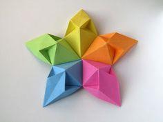 Origami: Stella aquilone - Kite Star.   Modular origami,  no cuts, no glue, 5 squares of paper, 9 cm x 9 cm. Designed and folded by Francesco Guarnieri, February 2012. http://guarnieri-origami.blogspot.it/2013/02/stella-aquilone.html