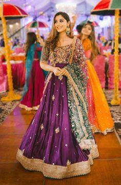 Pakistani Party Wear Dresses, Beautiful Pakistani Dresses, Shadi Dresses, Designer Party Wear Dresses, Pakistani Wedding Outfits, Wedding Dresses For Girls, Pakistani Dress Design, Bridal Outfits, Pakistani Mehndi Dress