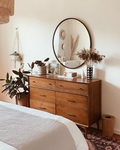 The natural light in this creates the coziest golden glow, the best backdrop for lazy afternoons and snuggling up in bed,… Decoration Inspiration, Room Inspiration, Decor Ideas, Decoration Pictures, Living Room Sets, Living Room Furniture, Furniture Sale, Modern Furniture, Furniture Design