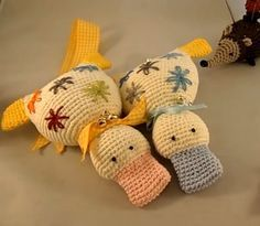 Schmuseente häkeln – Video-Tutorial – New Ideas Lace Knitting Patterns, Sewing Patterns Free, Crochet Yarn, Crochet Toys, Pinterest Crochet, Amigurumi Doll, Crochet Animals, Yarn Crafts, Baby Knitting