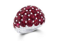 Graff Diamonds bague Bombé http://www.vogue.fr/joaillerie/shopping/diaporama/rubis-rouge-bagues-haute-joaillerie/19186/image/1011556#!graff-diamonds-bague-bombe-en-rubis