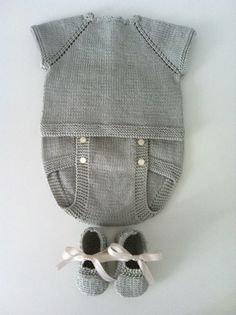 Gri örgü tulumlu bebek takım