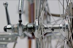 The later version of the Cinelli Bivalent hub which were made with one piece alloy hub shells.