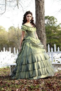 Katherine Pierce Southern Belle Dress - The Vampire Diaries Old Dresses, Pretty Dresses, Vintage Dresses, Vintage Outfits, 1800s Dresses, Corset Dresses, Vintage Prom, Victorian Gown, Victorian Fashion