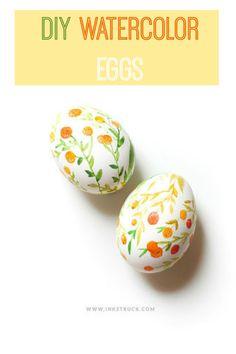 I had no idea watercolor eggs were so easy to make.  Picture tutorial