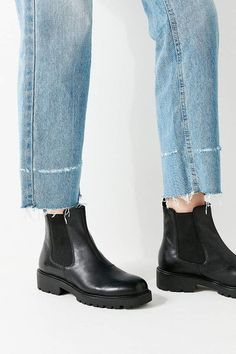 Shop Vagabond Shoemakers Kenova Chelsea Boot at Urban Outfitters today. We carry all the latest styles, colors and brands for you to choose from right here. Chelsea Boots Outfit, Black Chelsea Boots, Leather Chelsea Boots, Grunge Style, Soft Grunge, Galaxy Converse, Doc Martins, Grunge Outfits, Trendy Outfits