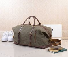 Are you interested in our vintage duffel bag? With our leather travel holdall bag you need look no further.
