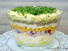 Layered salad with egg, ham and cucumber - Aniołki - Makaron Spinach Recipes, Salad Recipes, Vegetarian Recipes, Cooking Recipes, Healthy Recipes, Rabbit Food, No Cook Meals, Food And Drink, Easy Meals