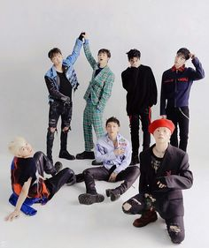 Of course Double B in the back ❤❤❤ Chanwoo Ikon, Kim Hanbin, Double B, Korean, Kpop, Songs, Bebe, Korean Language, Song Books