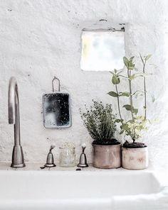 outdoor bathroom?.