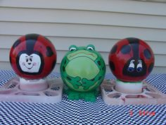 """Frog w/friends Bowling balls for """"Toy B."""""""