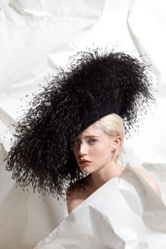 OC 950 | Philip Treacy London                                                                                                                                                      Mais