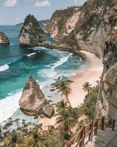 Diamond Beach Nusa Penida, Bali - I wish on a waterfall - Travel -. - Diamond Beach Nusa Penida, Bali – I wish on a waterfall – Travel – - Voyage Bali, Destination Voyage, Europe Destinations, Holiday Destinations, Holiday Places, Most Beautiful Beaches, Beautiful Places, Places To Travel, Places To See