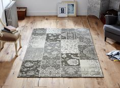 Classic floral patterns with a modern blocks design_ this rug has a beauty to adorn. #flatweaverugs #floralrugs #modernrugs #largerugs