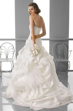 165 FOX / Wedding Dresses / 2013 Collection / Alma Novia  (back)