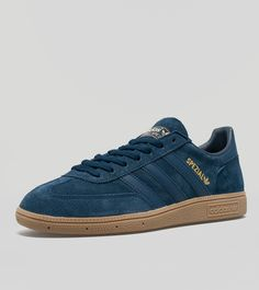 adidas Originals Spezial - find out more on our site. Find the freshest in trainers and clothing online now.