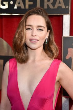 Emilia Clarke | The Shoes, Bags, and Jewels at the SAG Awards ...
