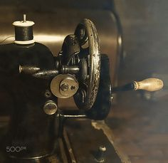 Vintage Sewing Machine - Old fashioned 1920's  manual vintage sewing machine.